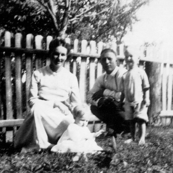 Wildwood Historical Society - Hardt Family - Laura, Eleanor, Fred and Alvin Hardt - 1913