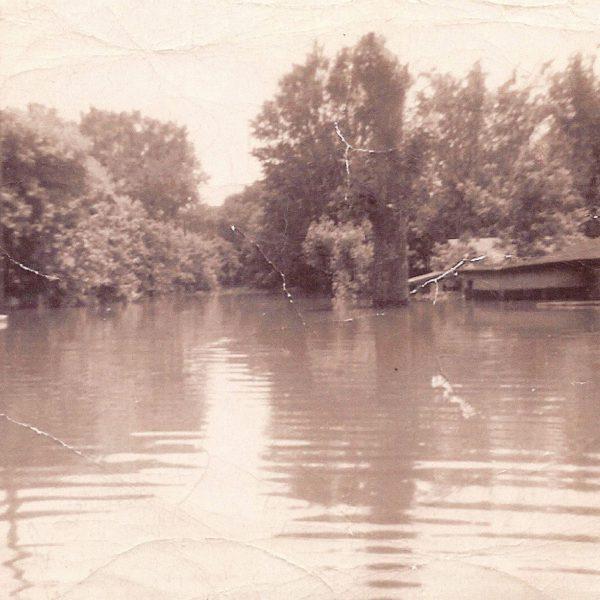 Wildwood Historical Society - Flood - Meremac river flooding, Glencoe